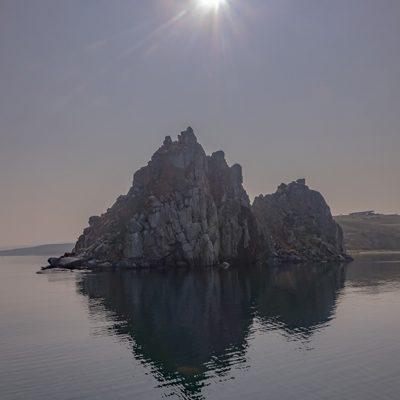der berühmte Schamanenfelsen auf der Insel Olchon