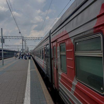 Transibirische Eisenbahn: auf dem Bahnhof Jaroslaw
